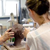 Iris Stolk-docent portret boetseren | Atelierbreda