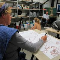 model tekenen naar zittend naakt   Atelierbreda