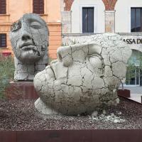 wisselende tentoonstelling op de Piazza- Pietrasanta